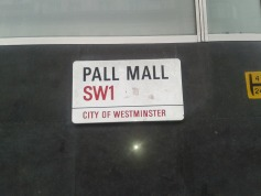 road sign: pall mall